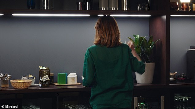 After: hey presto, the coffee appears after the digital insertion (the show is 'Dix Pour Cent' on DPC France TV)