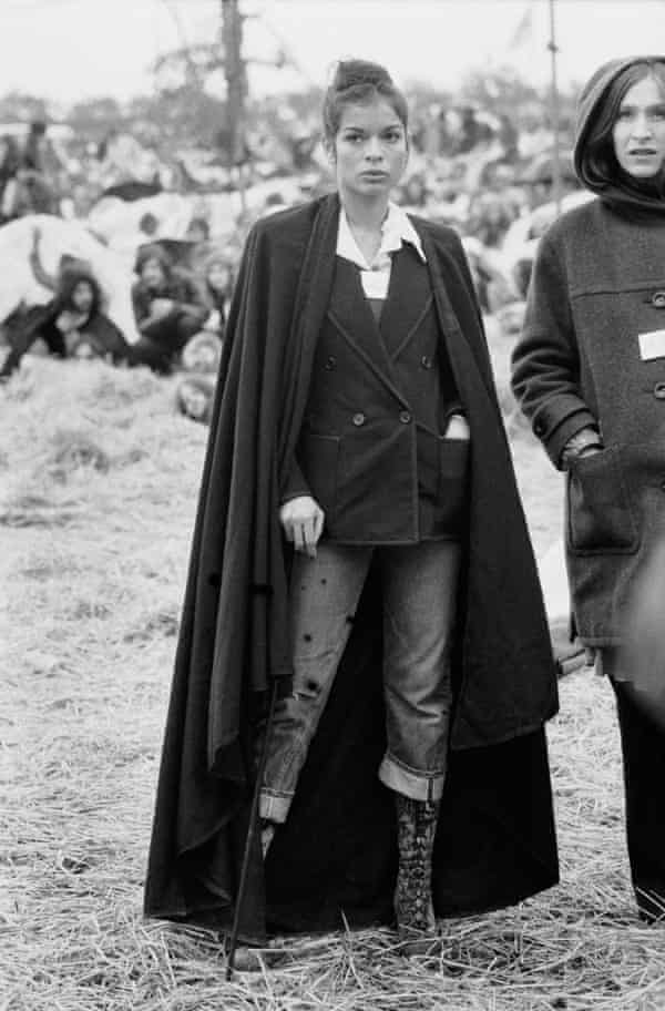 Bianca Jagger in jeans at the Bardney pop festival, 1972.