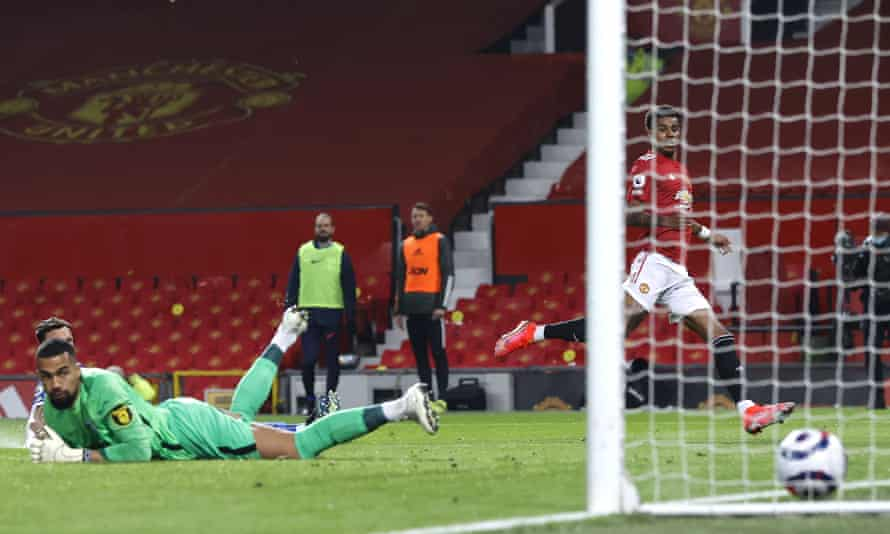 Marcus Rashford rifles home Manchester United's equaliser against Brighton