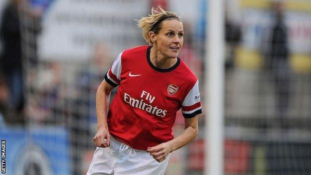 Kelly Smith playing for Arsenal