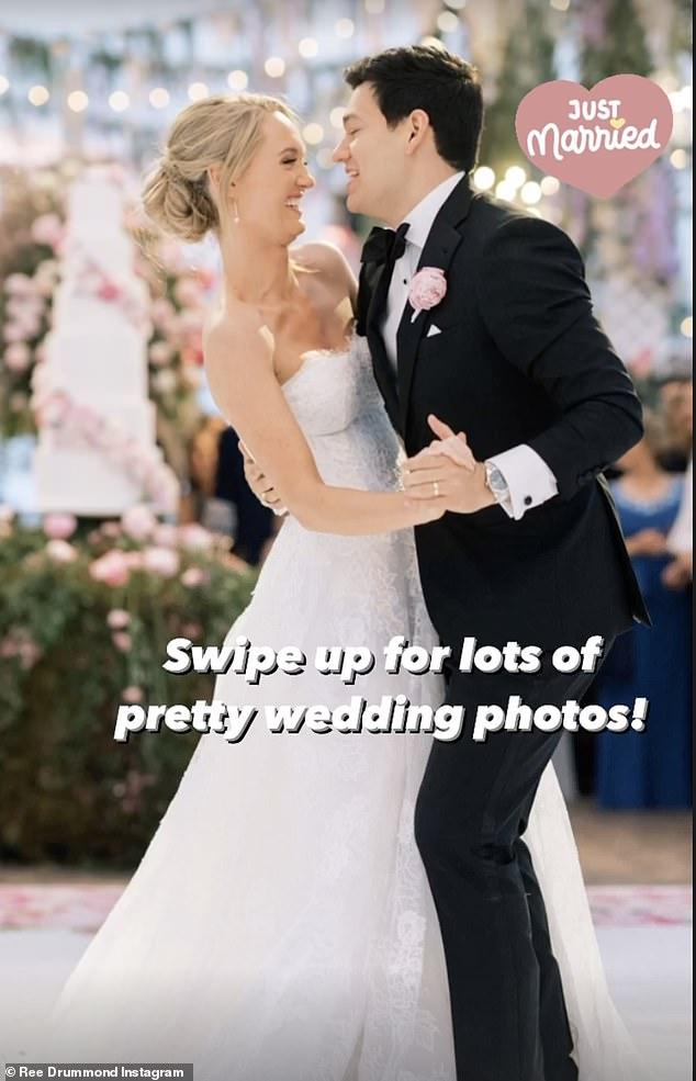 I do! Alex tied the knot with fiancé Mauricio Scott on Saturday