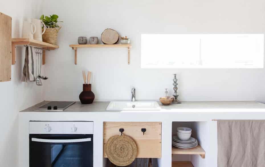 Guest kitchen at Cucumbi, Portugal