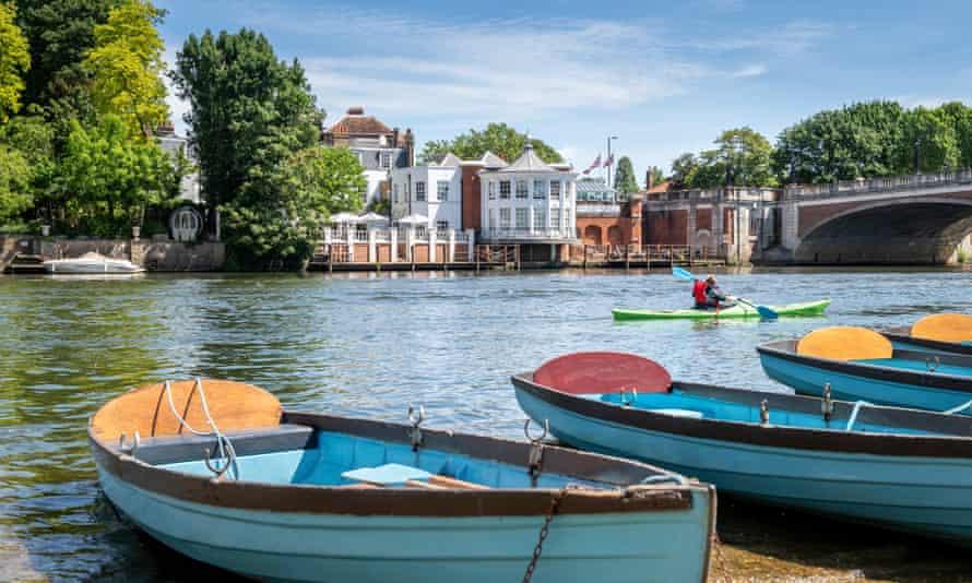 Mitre, Hampton Court