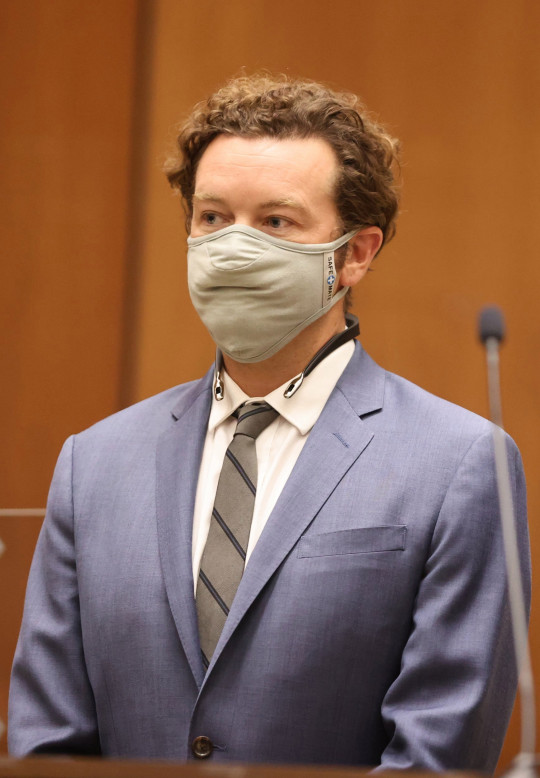 epa08679836 Actor Danny Masterson is arraigned on three rape charges in separate incidents between 2001 and 2003, at Los Angeles Superior Court, in Los Angeles, California, USA, 18 September 2020. EPA/LUCY NICHOLSON/ POOL