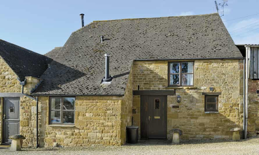 The cottage is beside a farm in Ebrington village