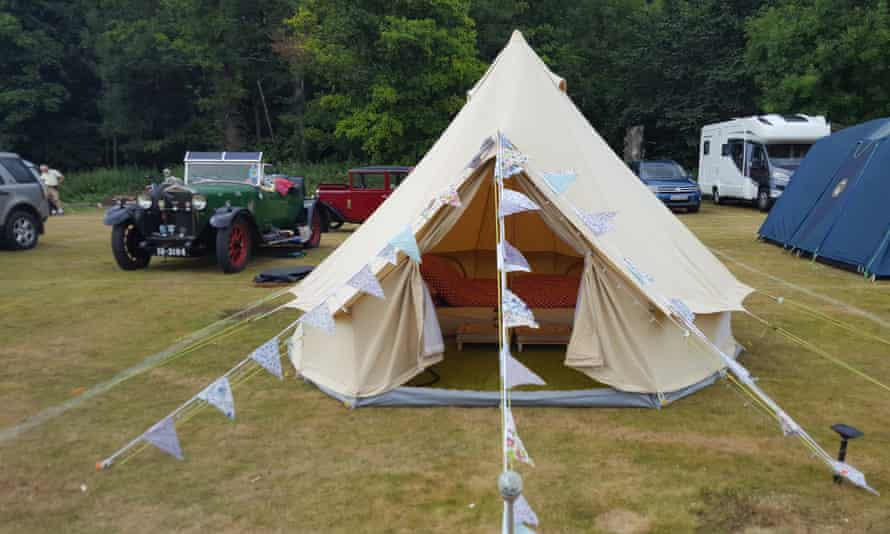 Camping at Longridge makes a good base for River Thames adventures.