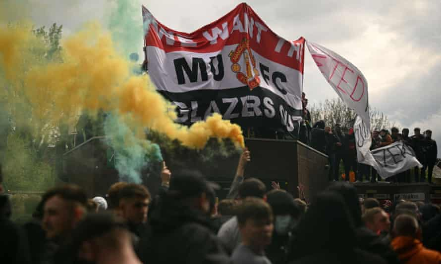 Manchester United fans protest against the club's ownership by the Glazer family.