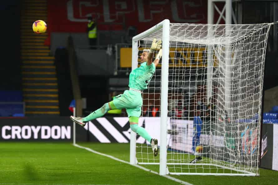 Crystal Palace's Vicente Guaita makes a save against Totten ham at Selhurst Park.