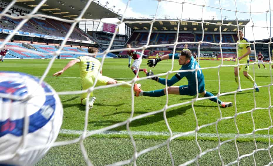 Burnley's Matej Vydra scores their first goal against Newcastle at Turf Moor.