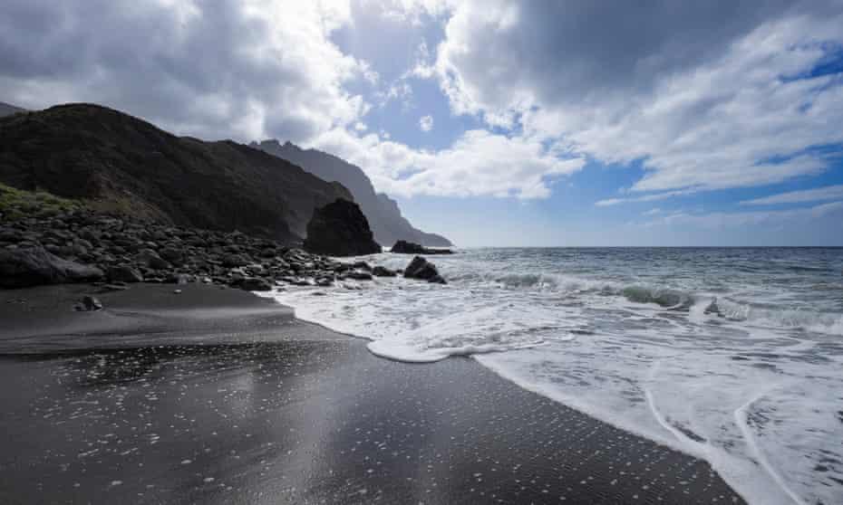 Black sand beach at Vallehermoso, La Gomera,