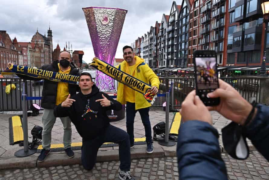 Villarreal supporters enjoy theirselves in Gdansk.
