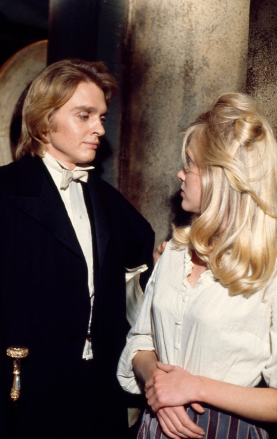 Unspecified - 1973: (L-R) Shane Briant, Vanessa Howard appearing in the Walt Disney Television via Getty Images tv movie 'The Picture of Dorian Gray'. (Photo by Walt Disney Television via Getty Images)