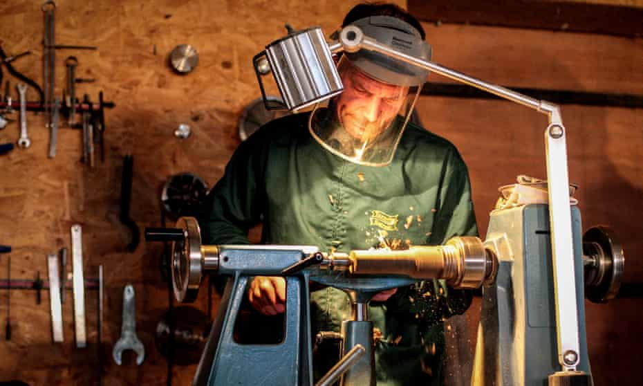 Celtic woodturning breaks - County Armagh Pádraig Carragher's Woodturning breaks