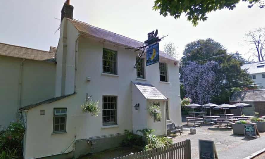 Half Moon Plumpton Sussex pubs