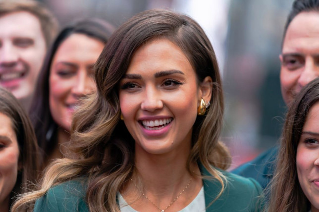 Jessica Alba earns $2.6m in one day as brand The Honest Company goes public