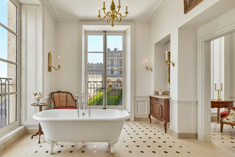 bathroom at versailles hotel
