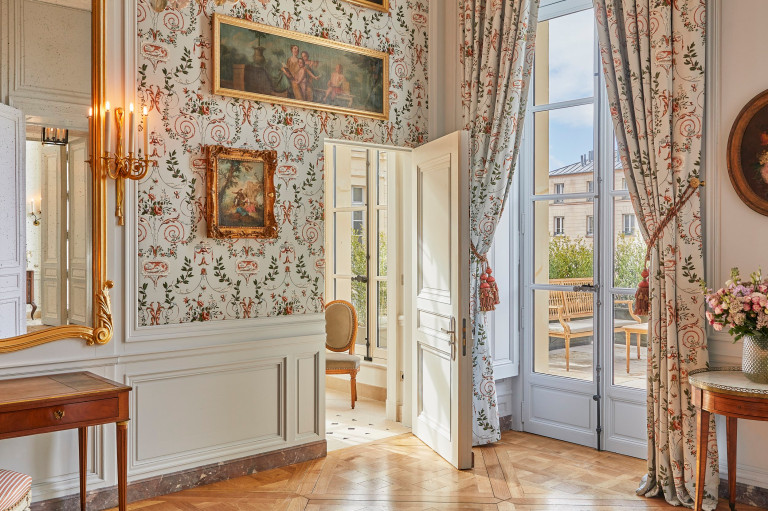 one of the room at Versailles hotel