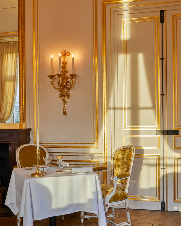 dining area at versailles hotel