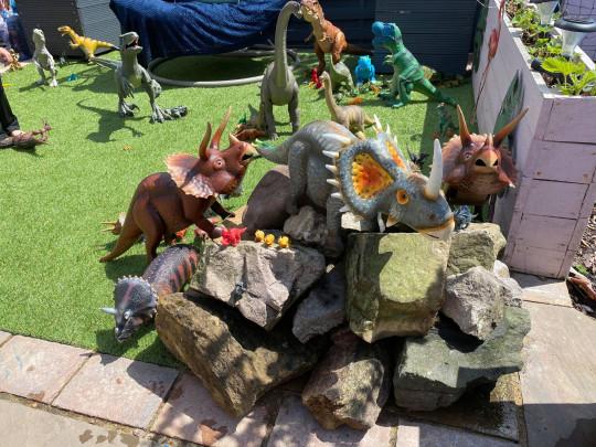 Dinoland garden