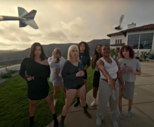Billie Eilish parties around mansion with friends in Lost Cause music video