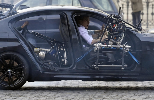 Tom Cruise on mission: impossible set