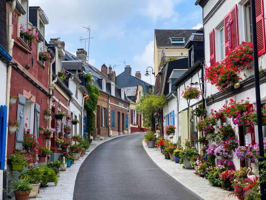 A narrow empty street in Saint-Valery-sur-Somme.