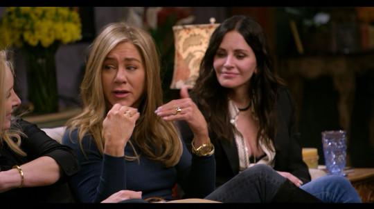 Friends stars Jennifer Aniston and Courtney Cox