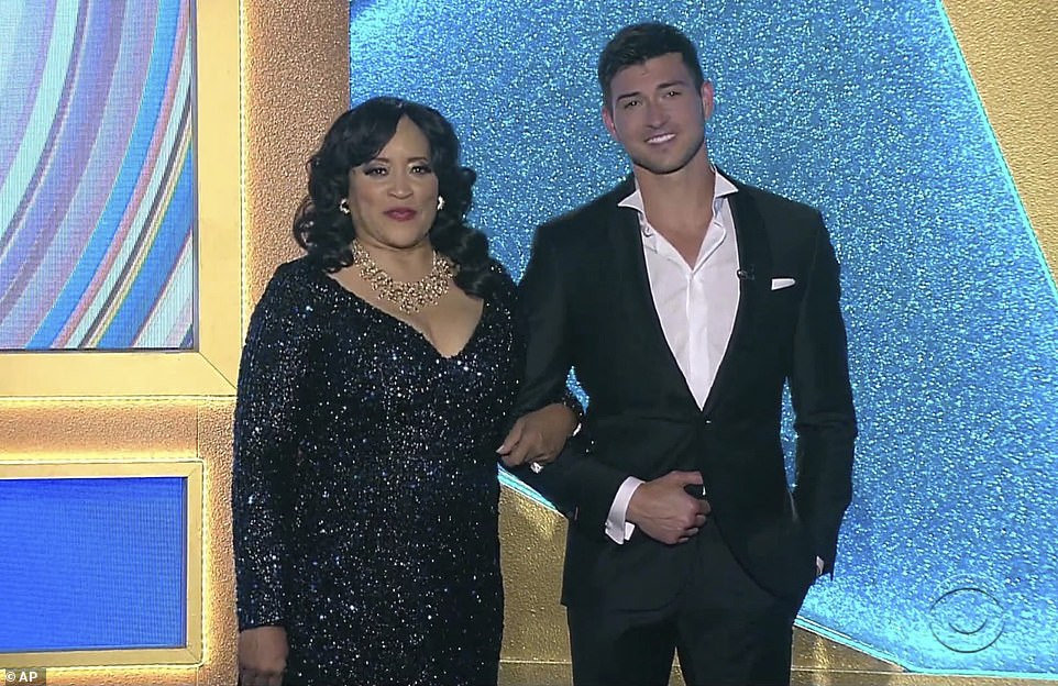 Presenting:Jackee Harry and Robert Scott Wilson presented theoutstanding performance by a supporting actress in a drama series gong
