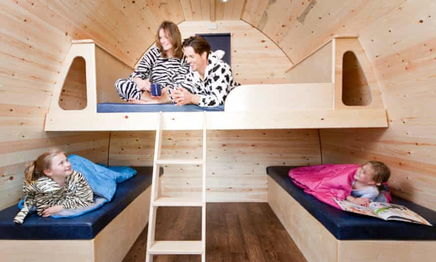 Waveney Glamping Pod bunkbeds and family