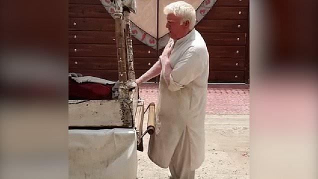 Singing Albino ice cream seller is doppelganger for Donald Trump