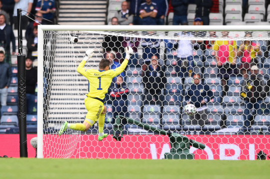 David Marshall of Scotland fails to save Czech Republic's second goal scored by Patrik Schick