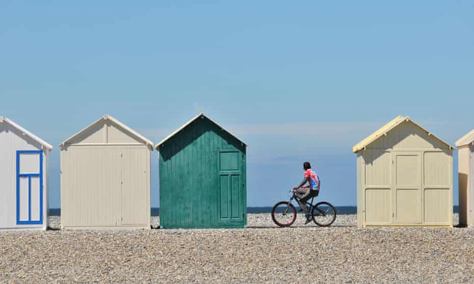Cycling along the beach in the Bay of the Somme.