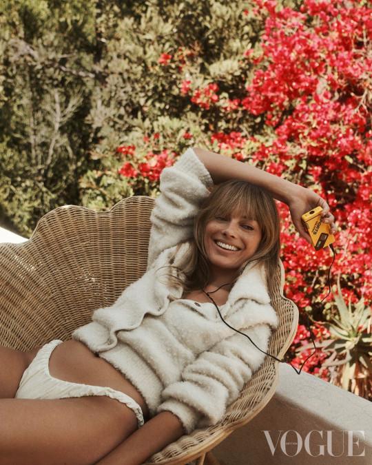 Margot Robbie for Vogue