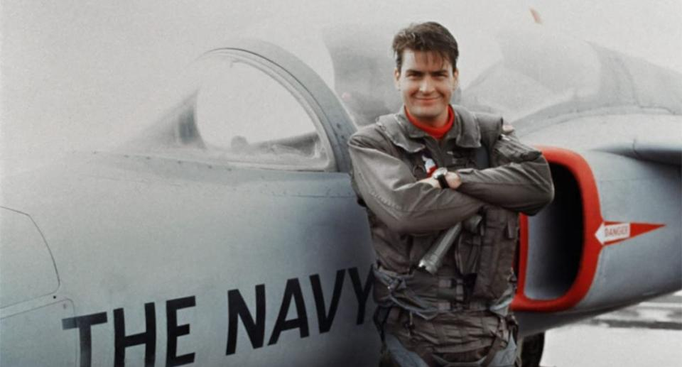 Charlie Sheen as Topper Harley in a still from Hot Shots! (20th Century Fox)