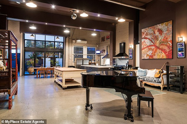 Spacious:It comes complete with a full recording studio with two soundproof studios after the previous owner spent over $400,000 in renovations