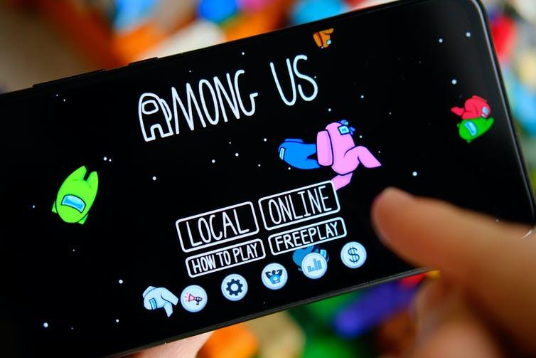 Among US game on mobile phone