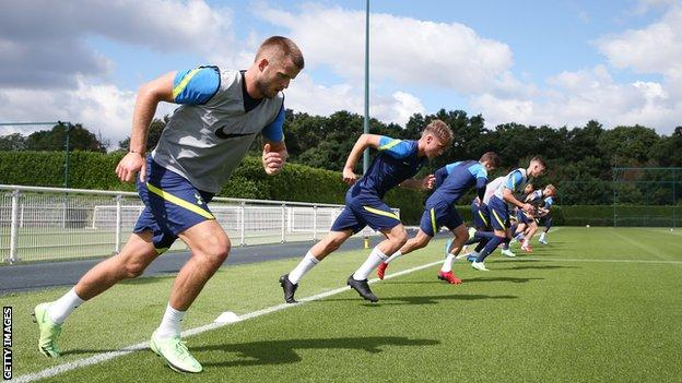 Spurs players in training