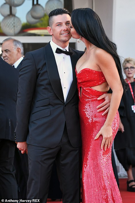PDA-packed! Adriana brought her new boyfriend as her guest on the red carpet