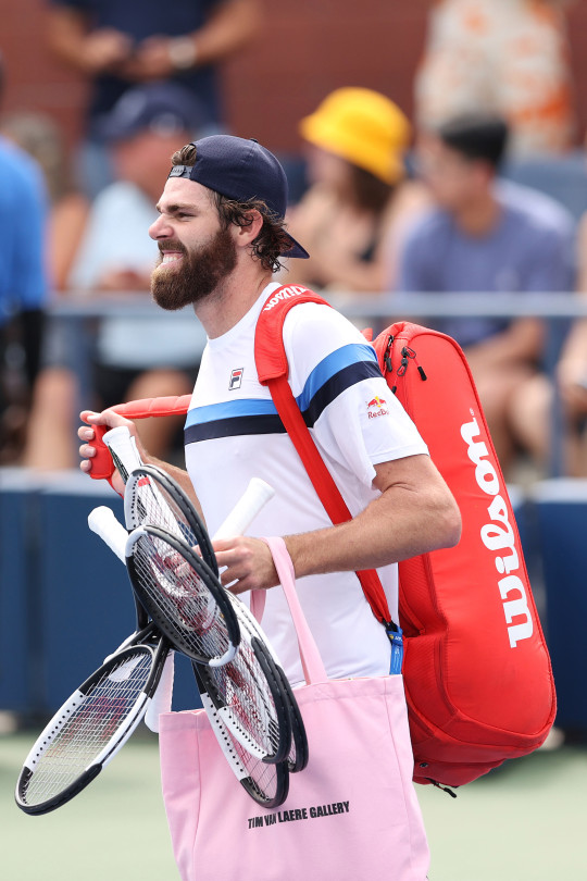 Reilly Opelka pink bag