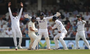 Appeals in vain for the wicket of Dawid Malan.