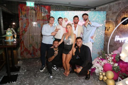 Love Island group shot