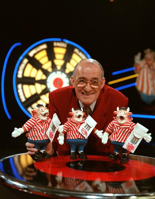 Editorial use only Mandatory Credit: Photo by ITV/REX/Shutterstock (656662qf) 'Bullseye' - Jim Bowen ITV Archive
