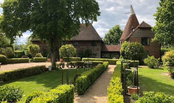 Book these top ten ranked UK vineyards