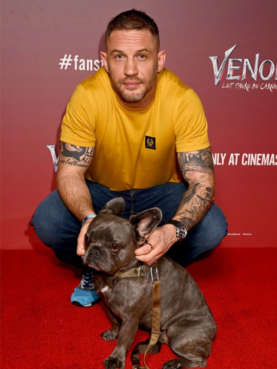 Tom Hardy with his dog Blue at fan screening Venom: Let There Be Carnage