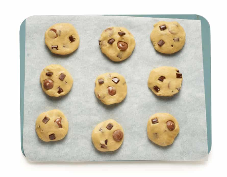 Felicity Cloake's perfect gluten-free chocolate-chip cookies6