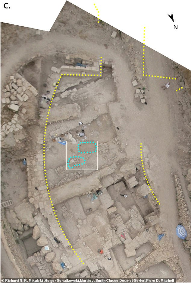 The mass graves were found within the town walls and were rectilinear grave pits that also contained artifacts that belonged to the Crusaders