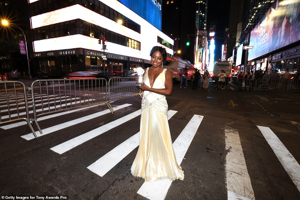 Greatest city in the world: She later headed out on the streets of New York for a snap