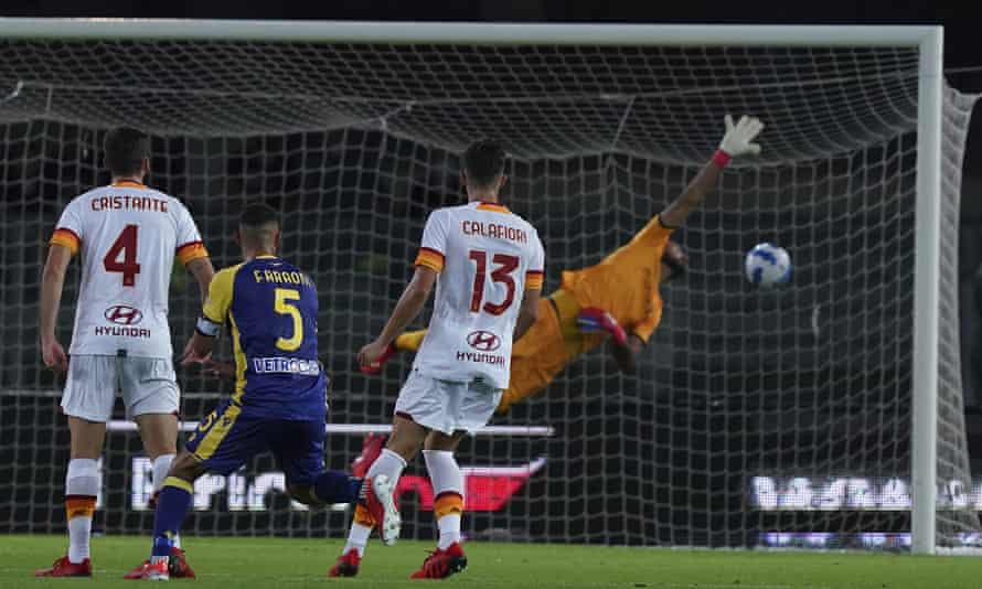 Verona's Marco Faraoni scores his side's third goal against Roma with a spectacular volley.
