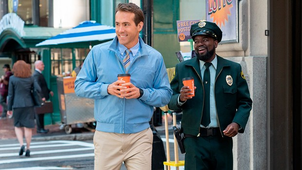 Ryan Reynolds and Lil Rel Howery as NPCs in Free Guy © 20th Century Fox
