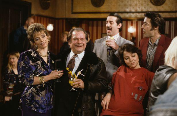 Sue Holderness, David Jason, John Challis, Tessa Peake-Jones and Roger Lloyd-Pack in a pub scene